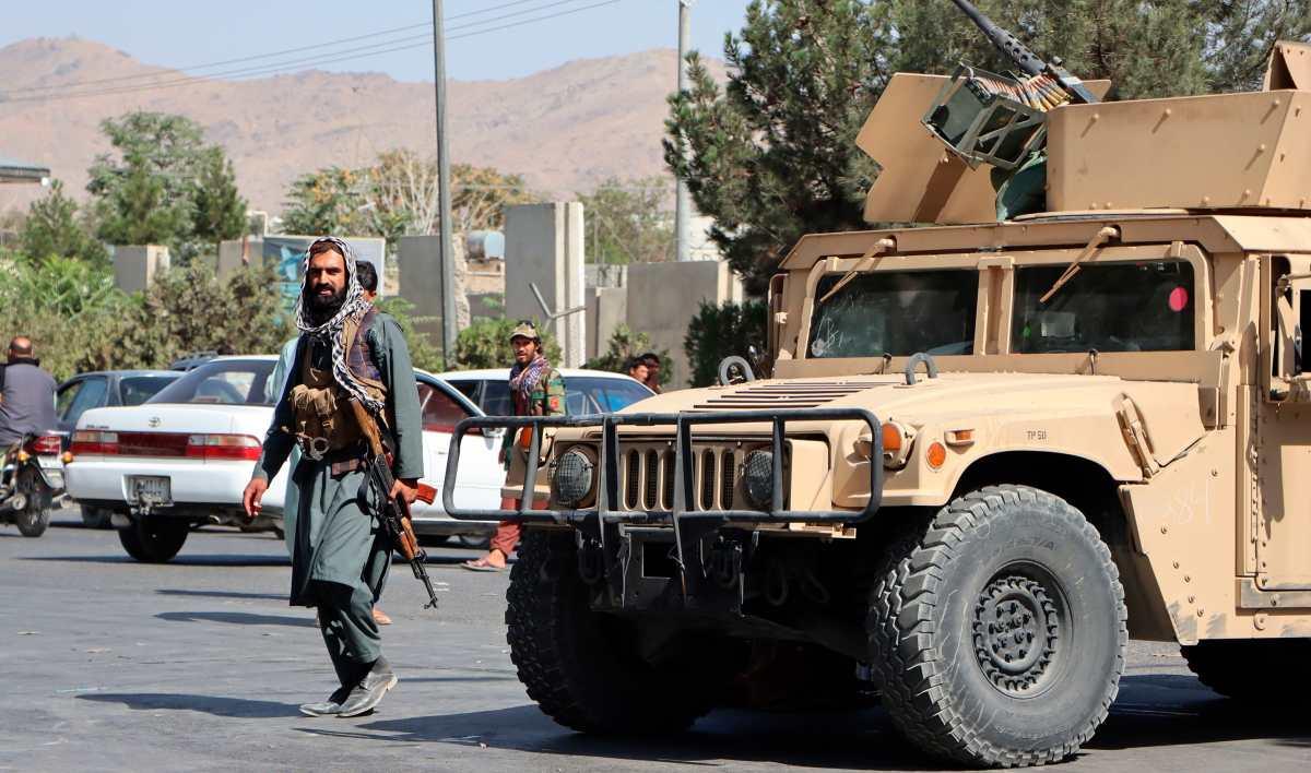 Afganistán: EE. UU. dice que hay amenazas activas en aeropuerto de Kabul, luego de explosiones que dejaron 170 muertos y decenas de heridos