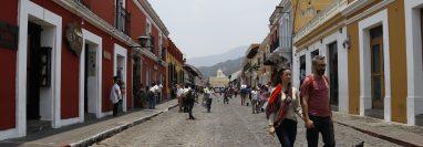 Los negocios en Antigua Guatemala reportan afluencia de visitantes salvadoreños por el periodo de fiestas agostinas. (Foto Prensa Libre: Hemeroteca)