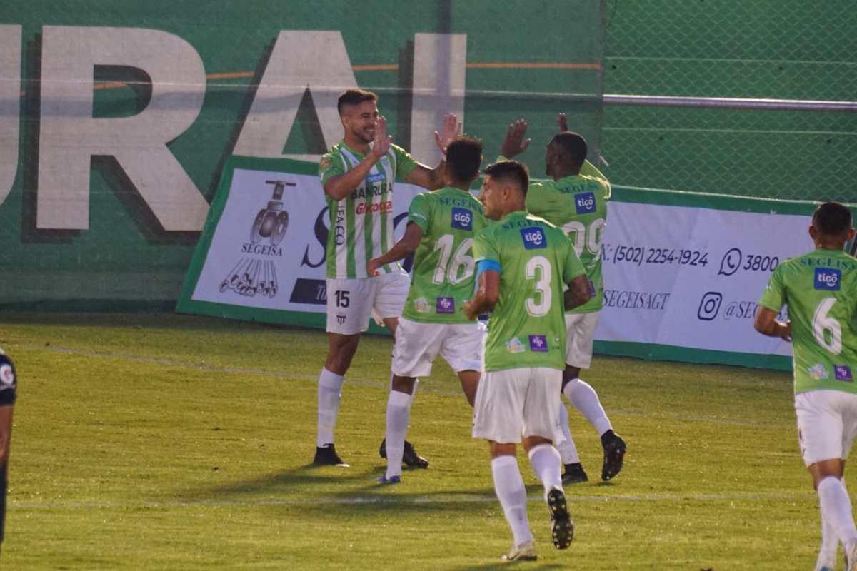 Antigua GFC le arrebata el liderato del Apertura 2021 a Comunicaciones