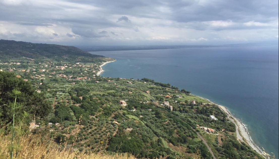 Región italiana busca voluntarios para vivir en sus tierras por US$33 mil, y estos son los requisitos