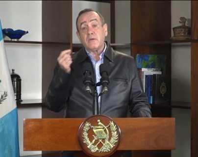 Gobierno abre el registro para mayores de 25 años en Guatemala y defiende donación de vacunas