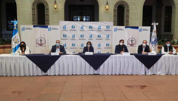 Autoridades del Ministerio de Salud brindan detalles de la situación de Guatemala por la emergencia del coronavirus. (Foto Prensa Libre: Elmer Vargas)