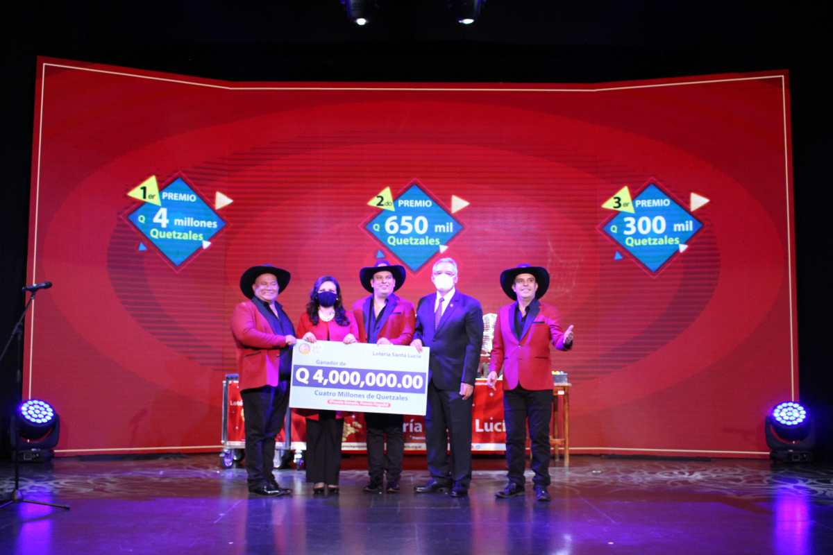 Lotería Santa Lucía realizó el Sorteo Extraordinario