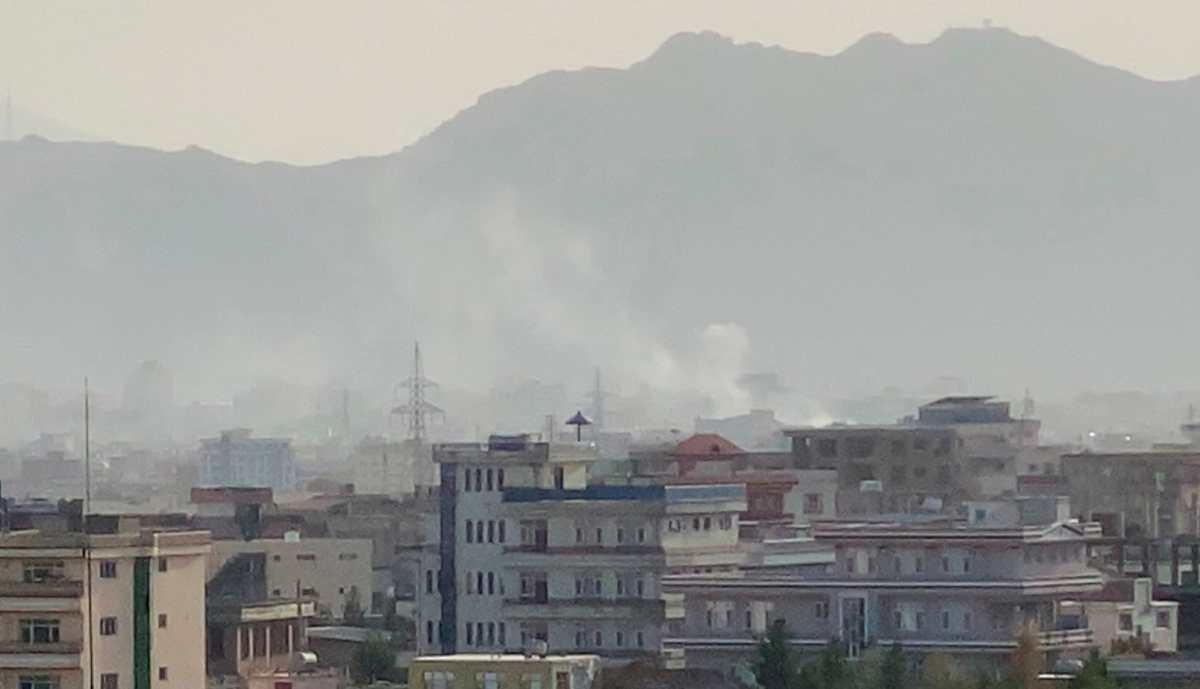 IMÁGENES: EE. UU. lanza un ataque en Kabul contra vehículo con supuestos miembros del EI en Afganistán