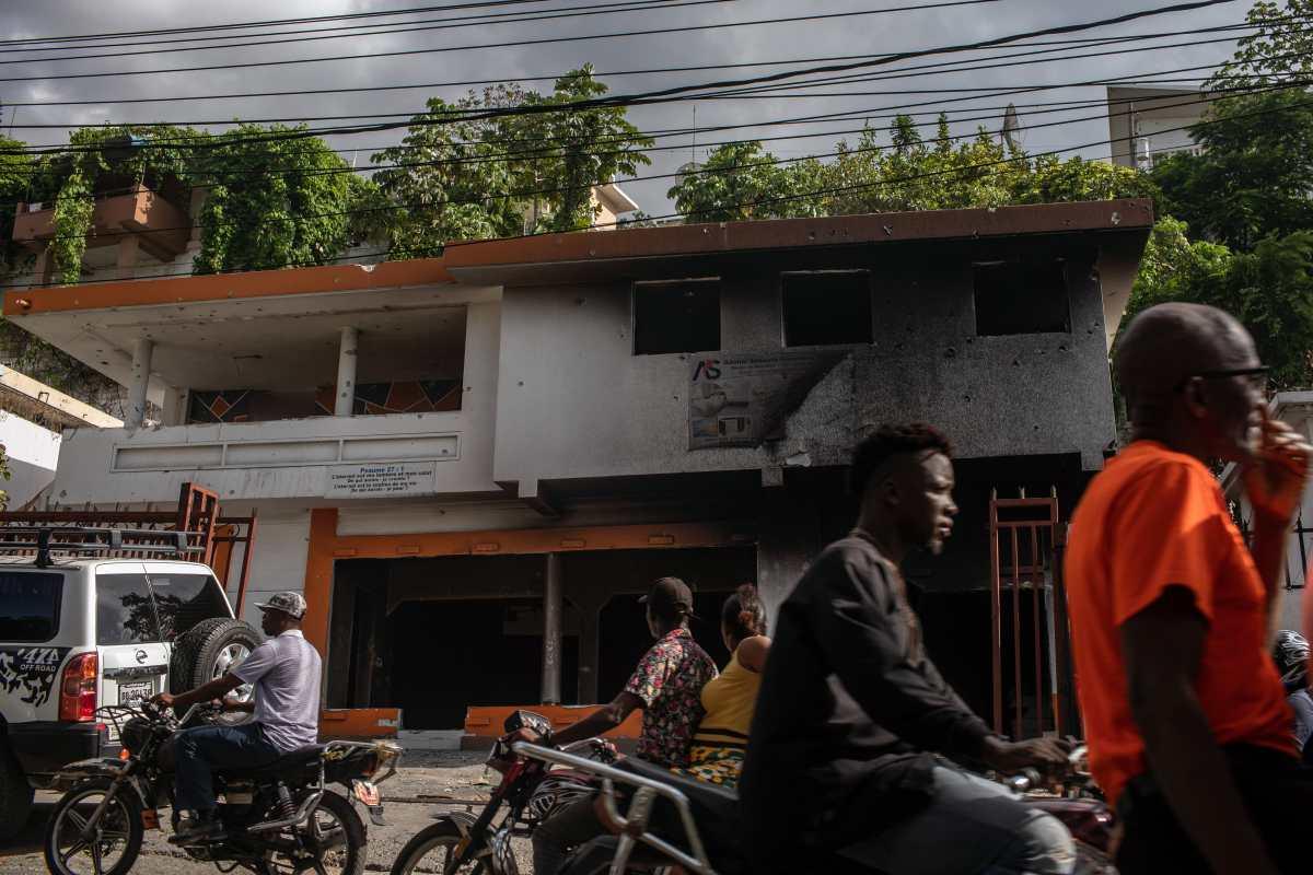 """""""Hay grandes intereses en juego"""": funcionarios haitianos dicen que recibieron amenazas por el caso del presidente asesinado"""