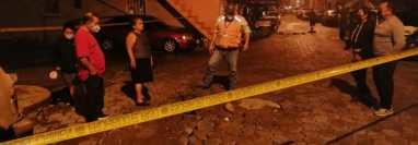 Hundimiento en los sectores 1 y 2, anexo Quintanal, zona 6 de la capital. (Foto Prensa Libre: Conred)