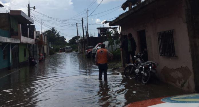 Daños en seis departamentos y unos 80 mil afectados por lluvias de las últimas horas
