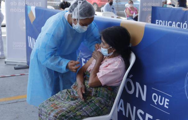 Estos son los centros de vacunación habilitados para este fin de semana y el lunes 16 de agosto