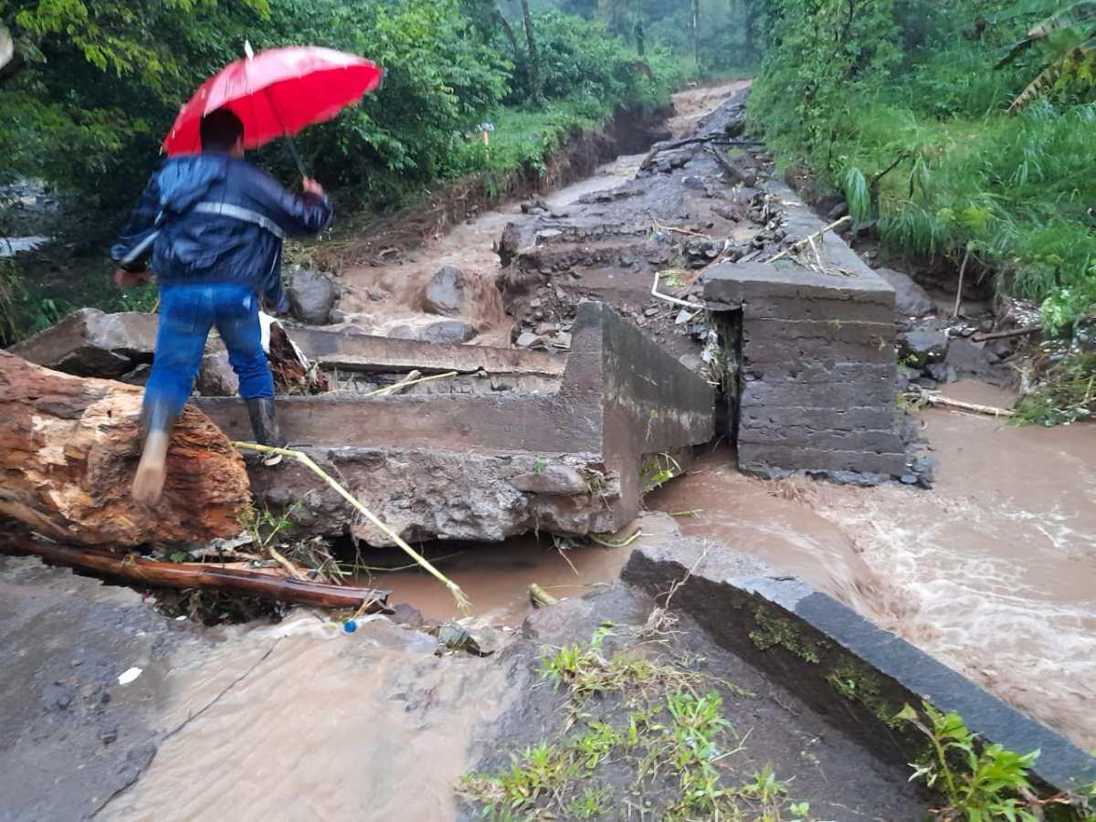 Lluvias de las últimas horas dejan inundaciones, deslizamientos y más de 7 mil personas afectadas en Guatemala