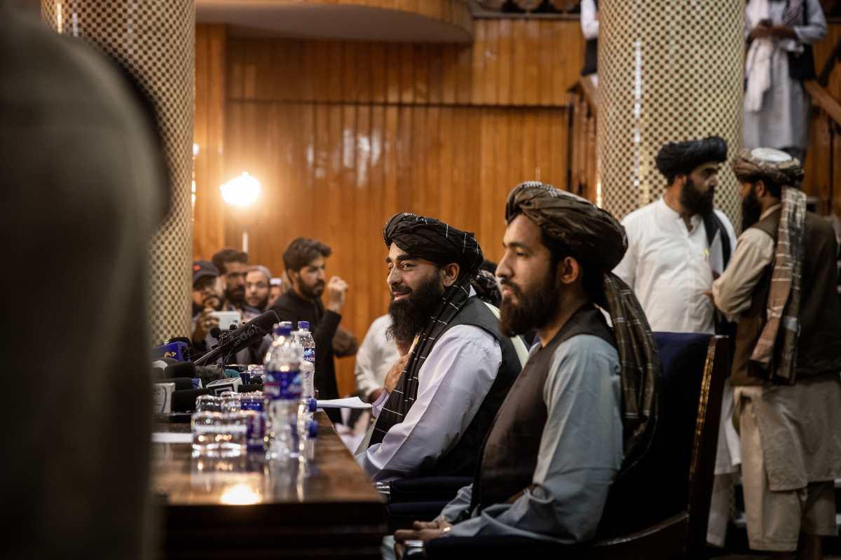 Cómo fue que los talibanes convirtieron las redes sociales en una herramienta de control