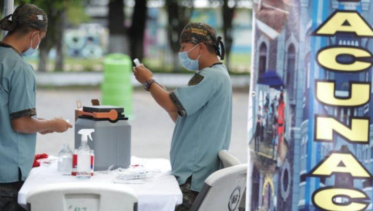 Guatemala espera la llegada de más vacuna contra el covid-19. (Foto Prensa Libre: Hemeroteca PL)