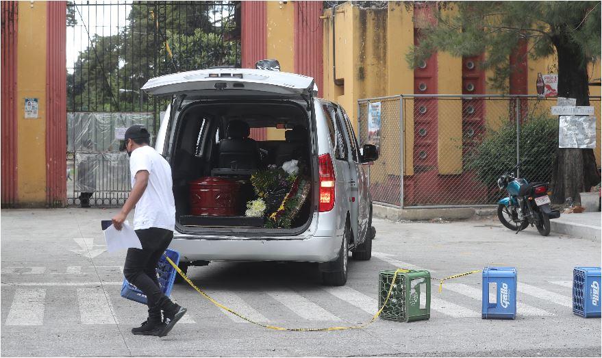 Alta demanda en sector funerario evidencia crisis de covid-19 en Guatemala