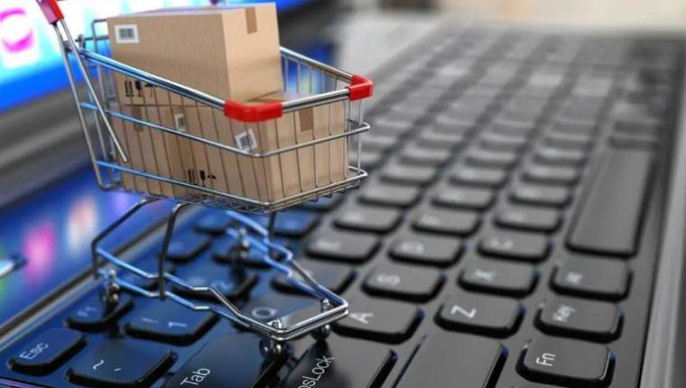 Los hábitos de compra ya venían cambiando pero la pandemia del covid-19 aceleró el uso del comercio electrónico. (Foto, Prensa Libre: Hemeroteca PL).