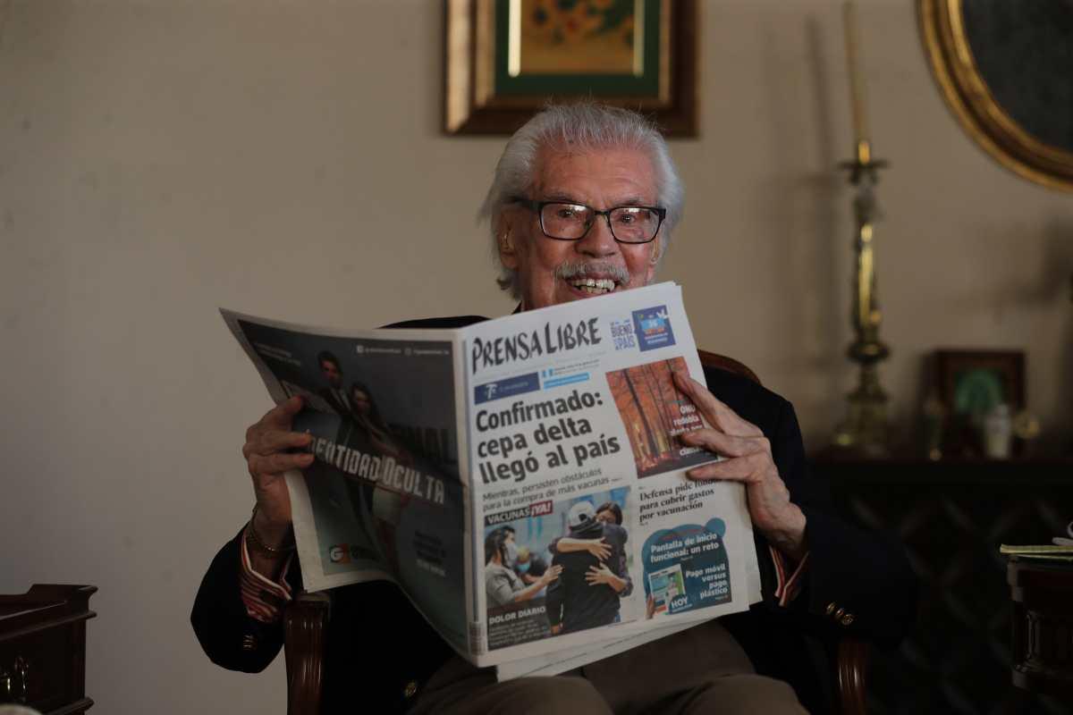 El costarricense que ha leído Prensa Libre por 70 años y produjo una película de Guatemala que estuvo en Cannes