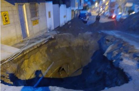 Lluvia de las últimas horas deja drenajes y muros colapsados en diversas zonas del país