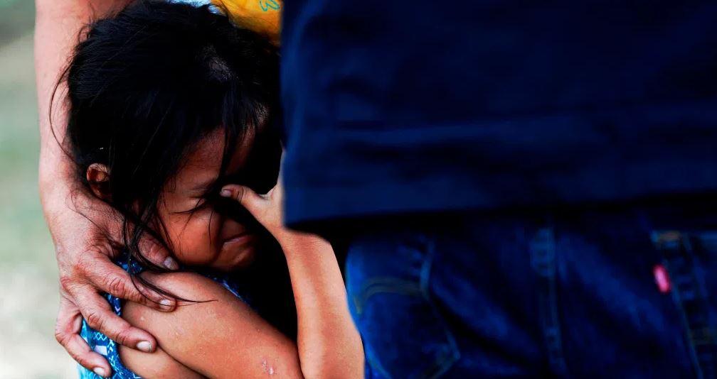 """""""Estábamos amontonados y tosiendo"""": las deportaciones se vuelven pesadilla para los migrantes guatemaltecos"""