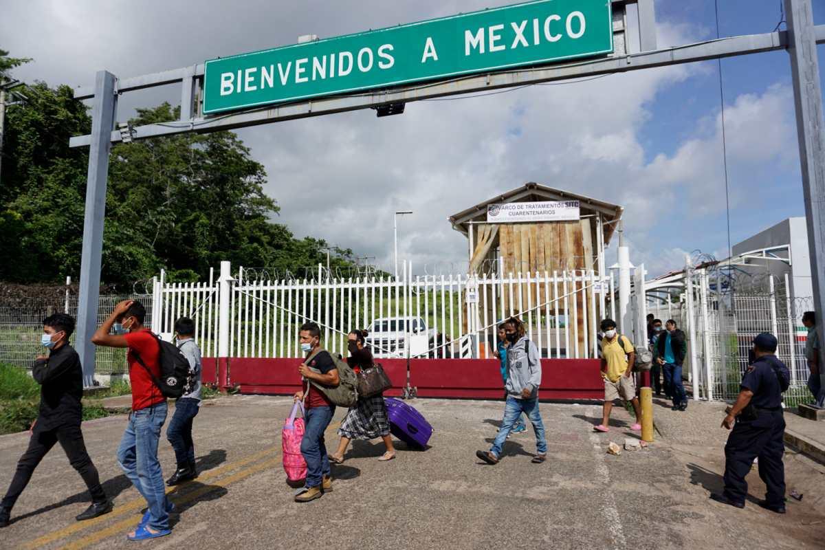 Casi 10 mil 500 migrantes han sido deportados por el puesto fronterizo El Ceibo, en Petén, en los últimos en 39 días