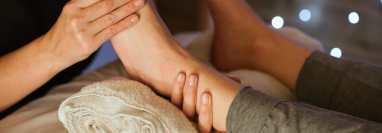 pies hinchados masaje