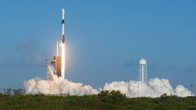 El viaje de los primeros civiles al espacio por SpaceX será docuserie en Netflix
