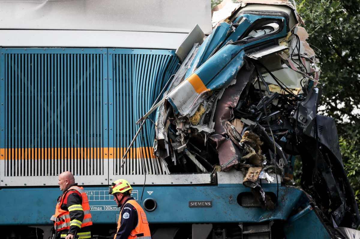 Las impactantes imágenes del choque de trenes en República Checa que dejó muertos y decenas de heridos