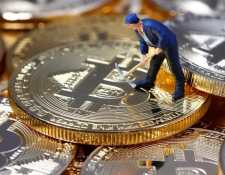 """Los """"mineros"""" de bitcóin están buscando urgentemente un nuevo centro donde establecer sus negocios. (Foto Prensa Libre:"""