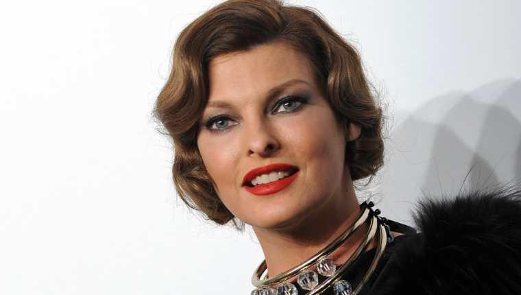 Linda Evangelista saltó a la fama en la década de 1990, haciendo fama en pasarelas y portadas de revistas.  Esta foto es de 2009.
