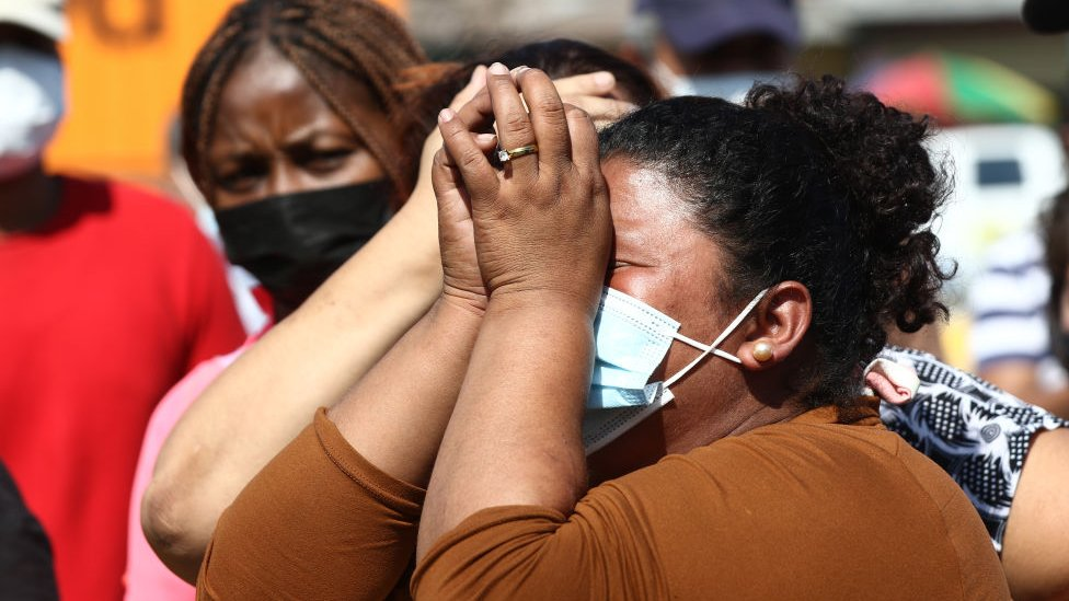 Ecuador: el drama de los familiares de los presos tras la peor masacre carcelaria en la historia del país