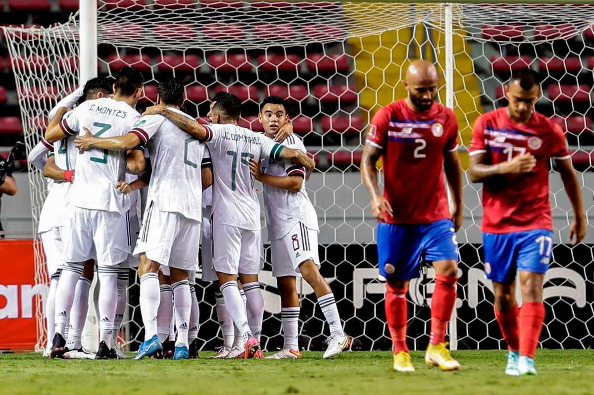 México derrotó 1-0 a Costa Rica y sigue como único líder del octogonal de Concacaf