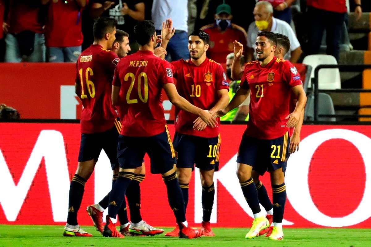 España corrige el rumbo hacia el Mundial con una goleada ante Georgia