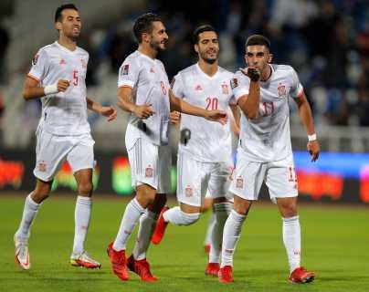 España sufre para ganarle a Kosovo y se anima con la derrota de Suecia ante Grecia