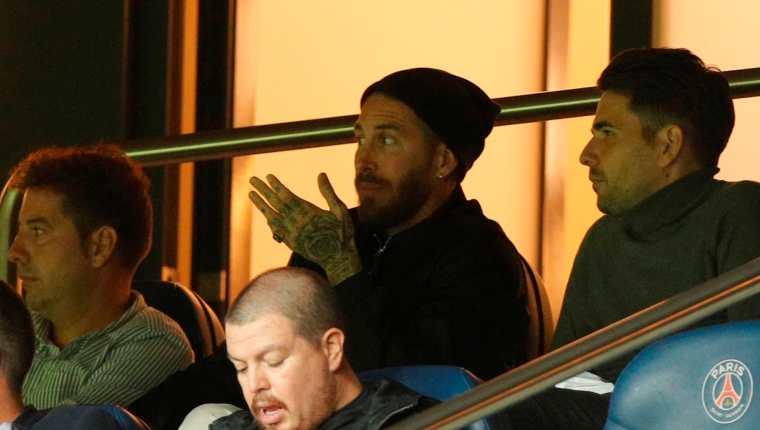 Sergio Ramos todavía no debuta con el equipo parisino. (Foto Prensa Libre: EFE)