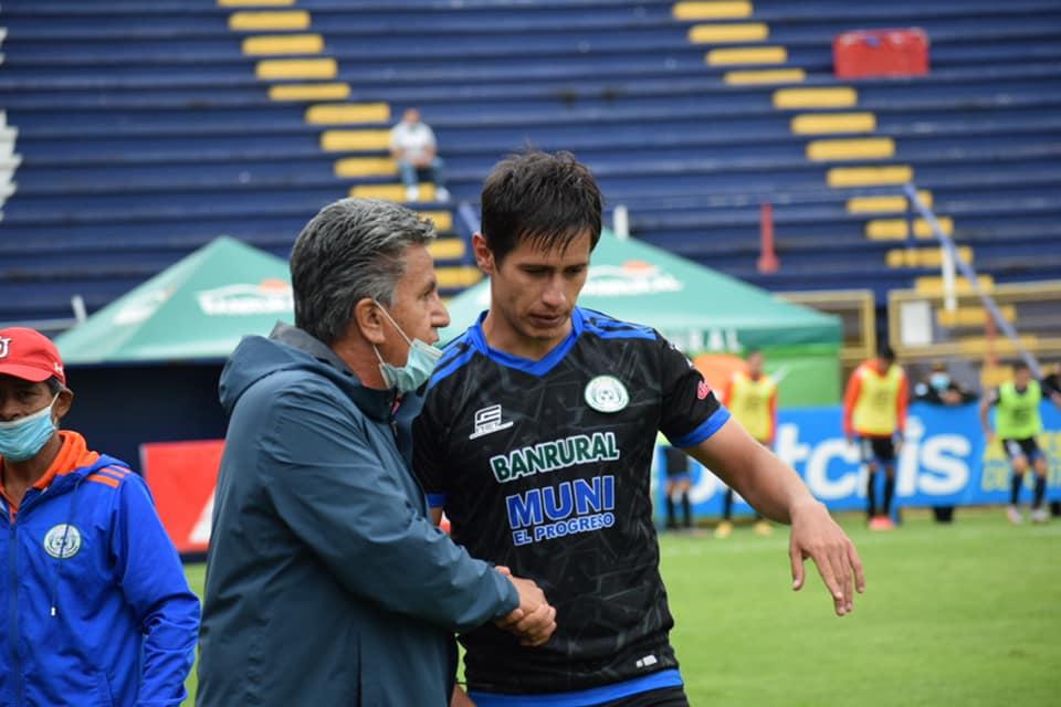Achuapa deja escapar tres puntos de oro ante Xelajú, que sufrió para rescatar el partido