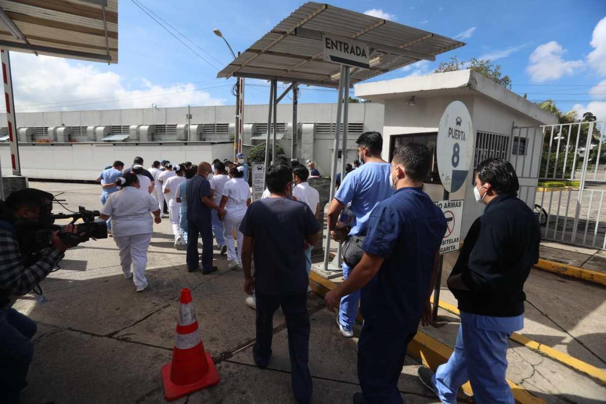 """""""Se han triplicado los ingresos a cuidados intensivos"""": Guatemala se encuentra en los peores momentos de la pandemia, advierte la OMS"""