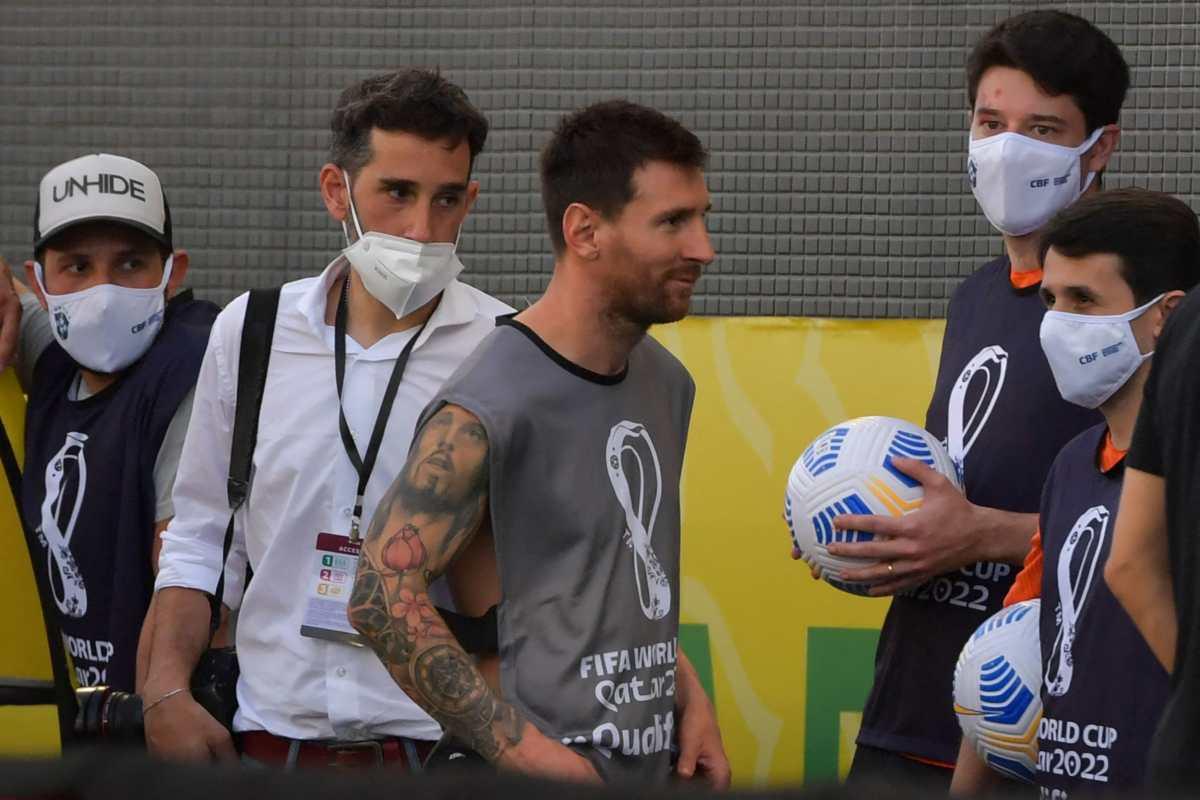 Esta fue la razón por la que Leo Messi usó una gabacha de fotógrafo en el escándalo del clásico Brasil-Argentina