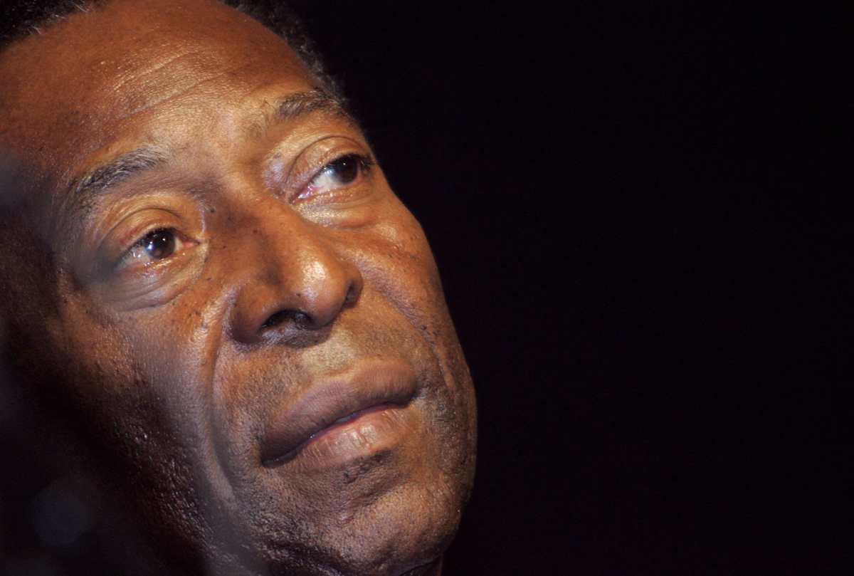 """""""Cuando el camino es difícil, celebre cada paso de la jornada"""", escribió Pelé tras abandonar hospital en Brasil; ahora se someterá a quimioterapias"""