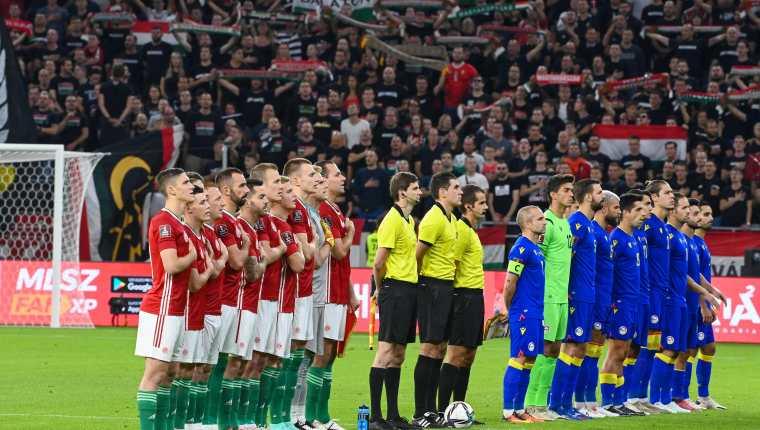 Los jugadores de Andorra y Hungría durante un partido eliminatorio para Qatar 2022. Las ligas de Europa han mostrado su rechazo a llevar a cabo los mundiales de futbol cada dos años. Foto Prensa Libre: AFP