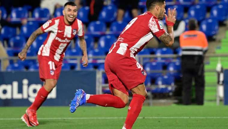 El delantero uruguayo del Atlético de Madrid, Luis Suárez marcó un doblete ante el Getafe CF. Foto Prensa Libre: AFP.