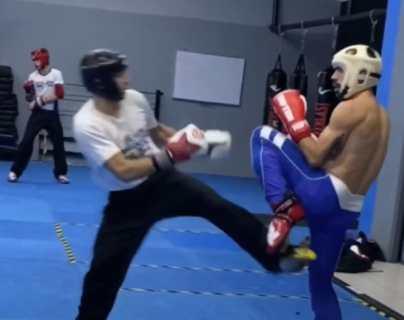 Óscar Arriola, de Mazatenango, Suchitepéquez, se prepara para participar en Mundial de Kick Boxing que se celebrará en Italia. (Foto Prensa Libre: Marvin Túnchez)