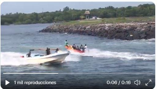 Los Bomberos Voluntarios buscan a Karen Guisela Osoy Flores en aguas del Puerto San José, Escuintla. (Foto Prensa Libre: CVB)
