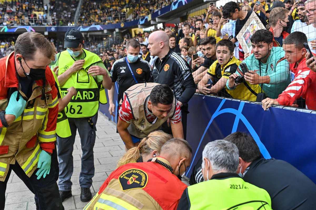 Cristiano Ronaldo noquea a un policía de un pelotazo y esta fue su ejemplar reacción