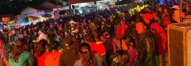 En algunos municipios de Quiché se han registrado fiestas que duran varios días. Foto Prensa Libre.