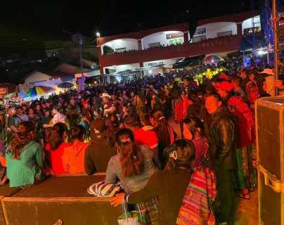 Bailes, convites y aglomeraciones le pasan factura al Hospital Regional de Quiché que comienza a recibir más pacientes de coronavirus