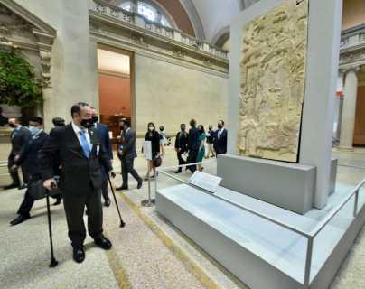 Giammattei visita el Museo Metropolitano de Arte en Nueva York donde se exhiben piezas mayas y se se reúne con António Guterres