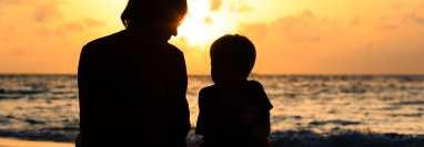 Las crisis familiares deben comunicarse a los hijos.