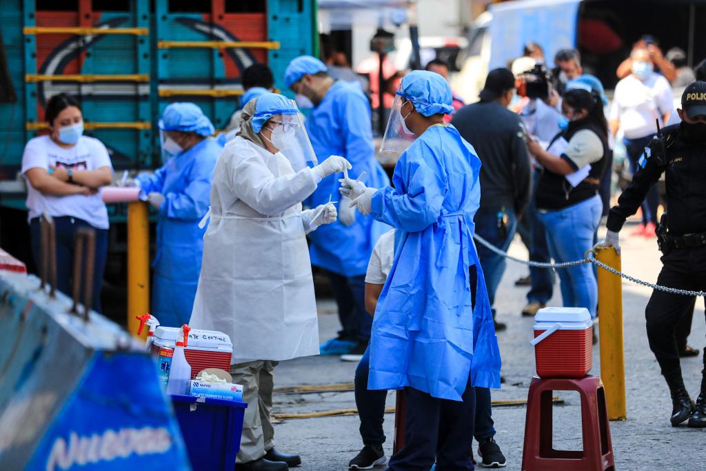 Guatemala sobrepasa el medio millón de contagios de coronavirus y registra 3 mil 201 nuevos casos