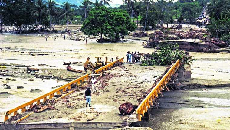 Historia de Guatemala: Tormenta tropical Mitch abre era de desastres