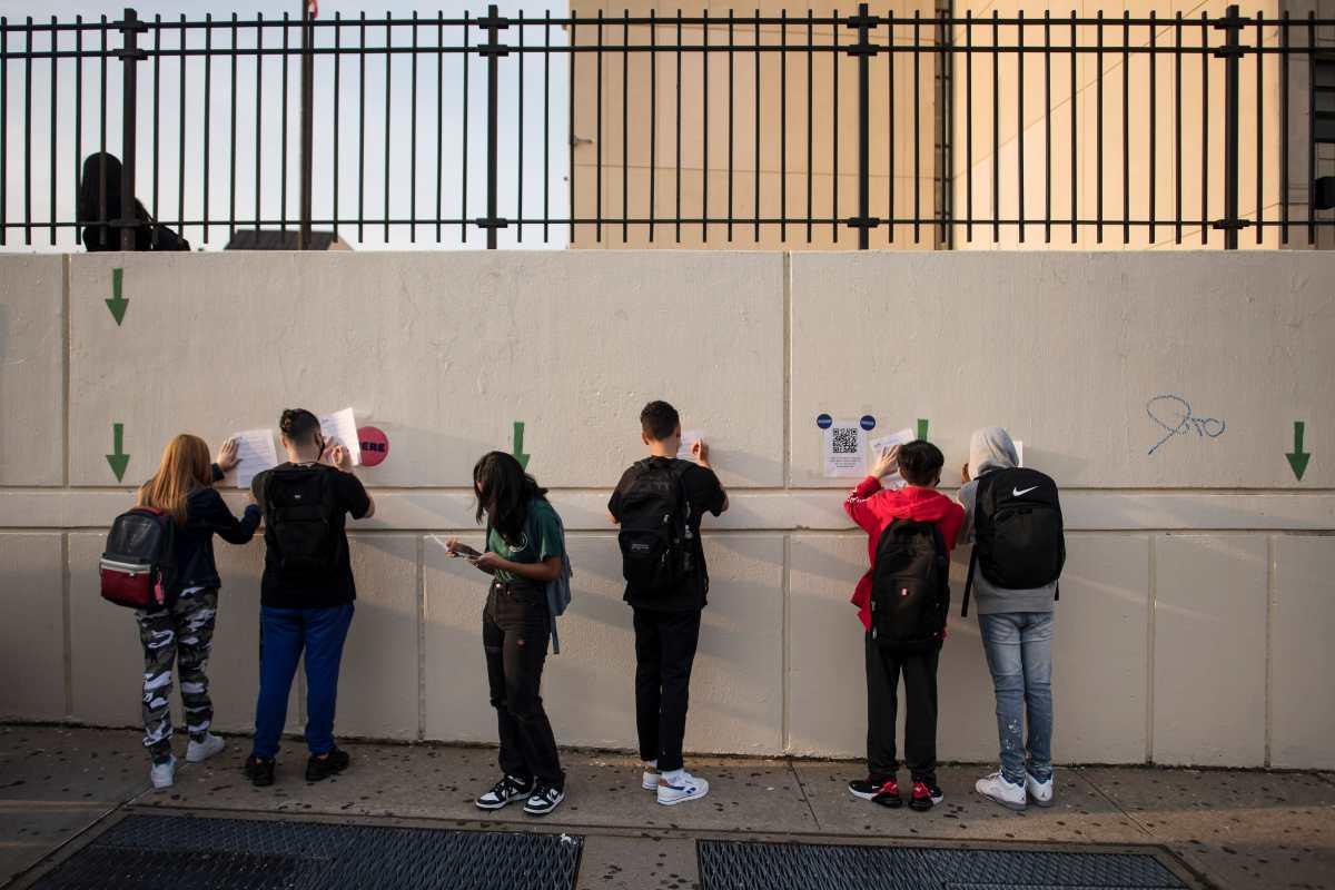 Nuevo modelo de pruebas covid pretende salvar a estudiantes de la cuarentena