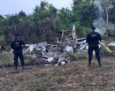 Ejército localiza narcoavioneta quemada en Petén, luego de 117 días sin reportes de vuelos ilegales