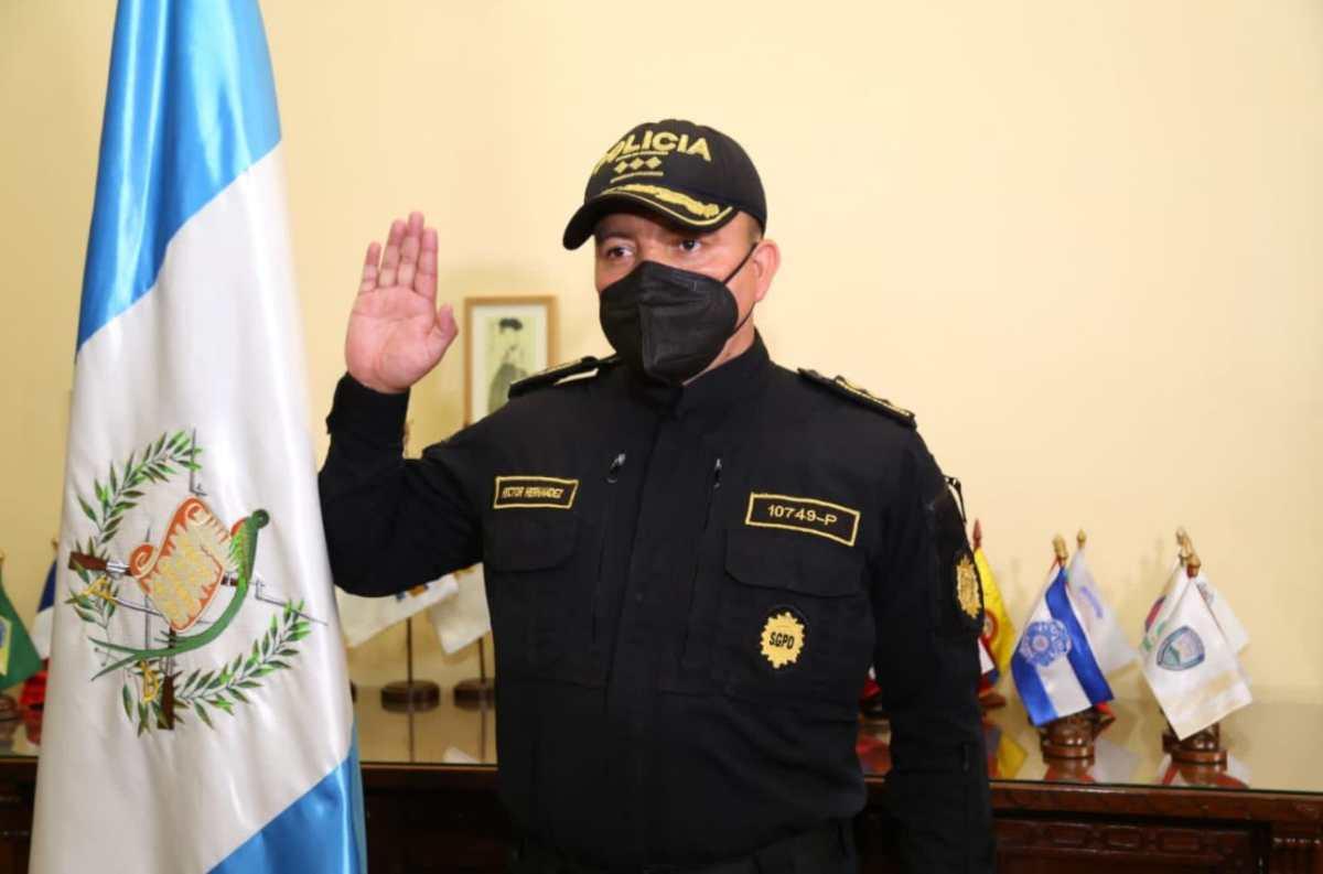 """Gobernación nombra a nuevo director de la Policía Nacional Civil para """"oxigenar"""" la institución"""
