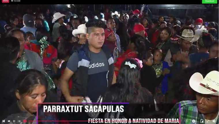 Pese al incremento de casos, Vecinos de Parraxtut, Sacapulas, asisten a fiestas multitudinarias. (Foto Prensa Libre: Captura de pantalla)